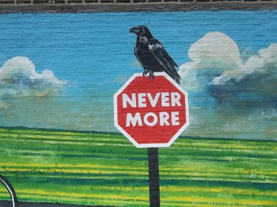 Poe's raven in Ravenswood, Chicago.